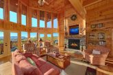 3 Bedroom cabin with large stone fireplace
