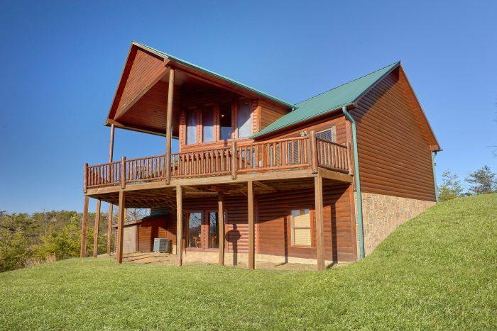 3 Bedroom 3 Story Cabin Sleeps 11 - Cherokee Hilltop
