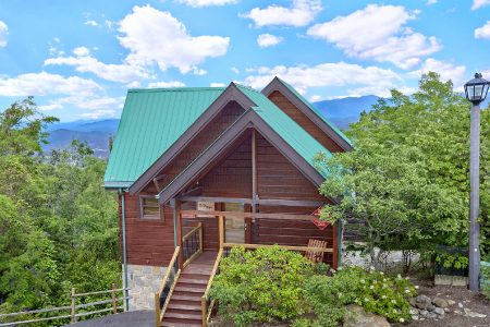 The Birds Nest: 3 Bedroom Gatlinburg Chalet Rental
