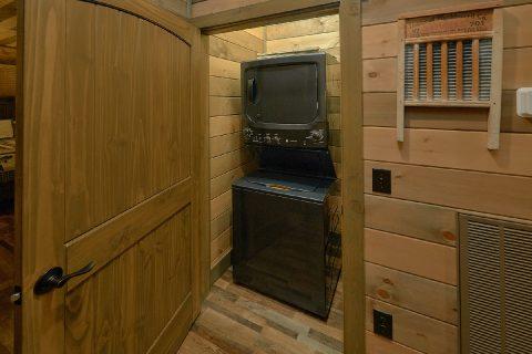 Luxurious 5 Bedroom Cabin Sleeps 16 - Cloud Bound