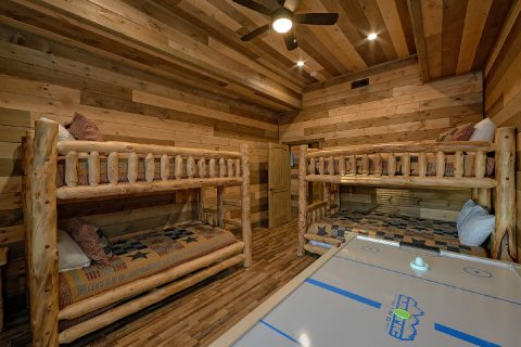 5 Bedroom Cabin with Bunk Bed Room for Kids - Cloud Bound