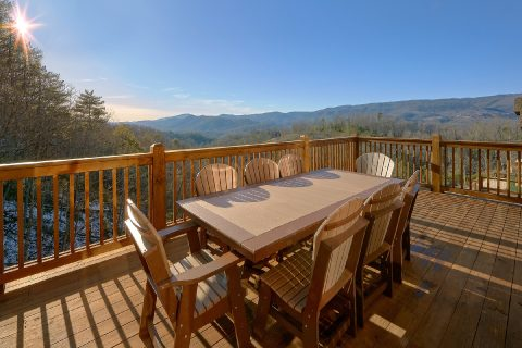 5 Bedroom with Outdoor Table - Cloud Bound