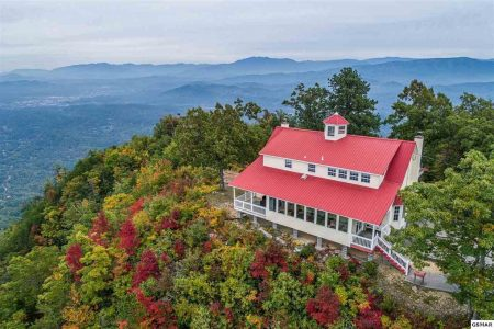 Song of the South: 4 Bedroom Pigeon Forge Cabin Rental