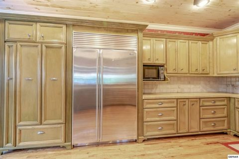 4 Bedroom cabin rental with Luxurious Kitchen - Cloud View Manor