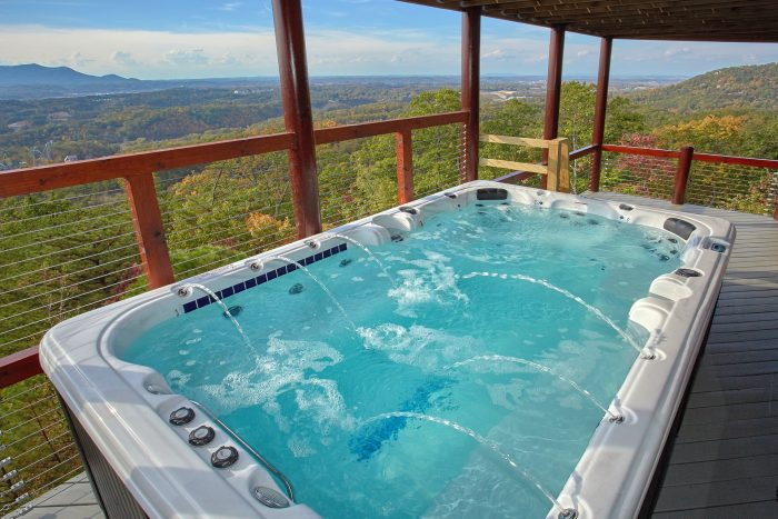 6 Bedroom Cabin with Swim Spa Tub on deck - Copper Ridge Lodge