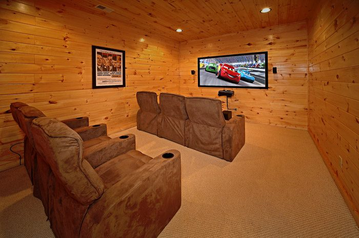 Cabin with Theater Room for Six - Could Not Ask For More