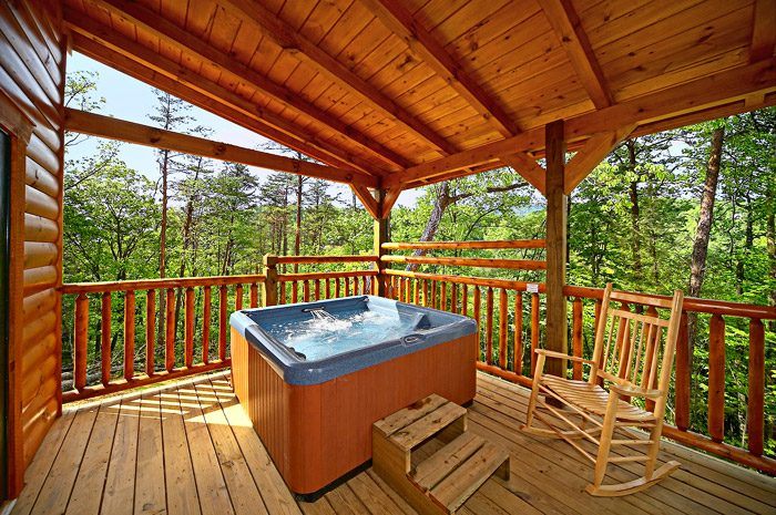 Cabin with Hot Tub on Spacious Deck - Could Not Ask For More