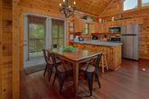 Pigeon Forge Cabin with Dining Seating for 9