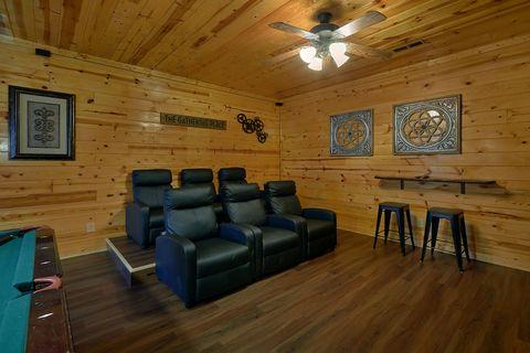 Premium Smoky Mountain 2 Bedroom Cabin - Cozy Escape