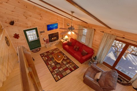 Beautiful 3 Bedroom Cabin Sleeps 8 - Cozy Hideaway