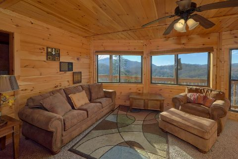 2 Bedroom Cabin with Mountain Views - Creature Comforts