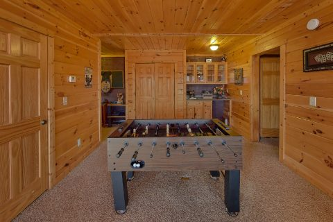Smoky Mountain Cabin with Foosball Table - Creature Comforts