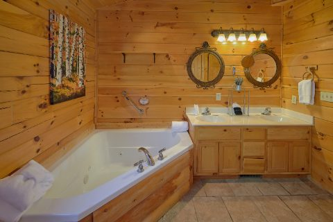 Master Bathroom with Jacuzzi - Creature Comforts