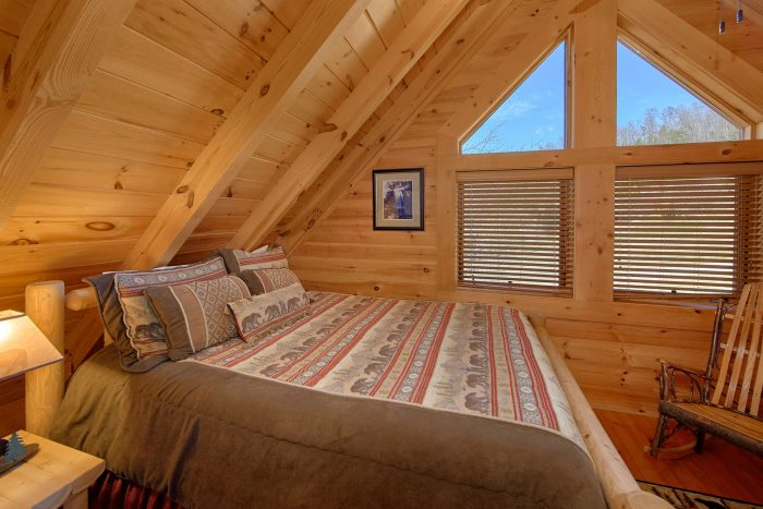 Premium Cabin with 2 Bedrooms and Baths - Creekside Hideaway