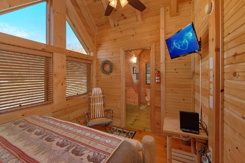 2 Bedroom Cabin in Smoky Mountain Ridge Resort - Creekside Hideaway