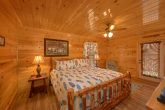 6 Bedroom Cabin with King Bedroom
