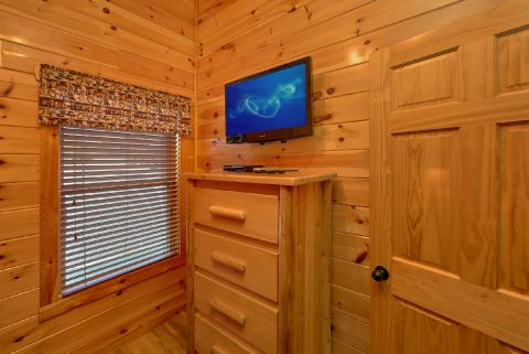 Twin Bunkbeds with Flatscreen TV - Crosswinds