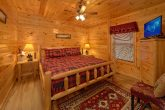 Spacious Cabin in Pigeon Forge with King Bed