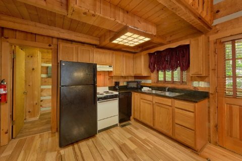 1 Bedroom Cabin with a fully equipped kitchen - Cuddle Creek Cabin