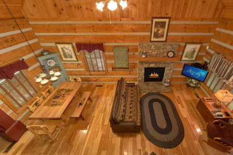 Secluded cabin with Fireplace and full kitchen - Cuddle Creek Cabin