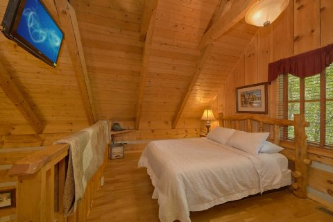 1 bedroom cabin with Loft and Queen bedroom - Cuddle Creek Cabin