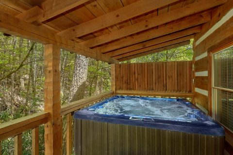 Smoky Mountain Cabin with a private hot tub - Cuddle Creek Cabin