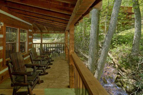 Rustic 1 bedroom cabin overlooking a creek - Cuddle Creek Cabin