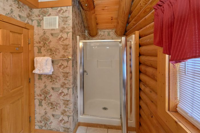 Smoky Mountain 2 Bedroom Cabin in Pigeon Forge - Dainty's Digs