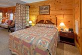 Affordable 2 Bedroom Cabin with Queen Bed