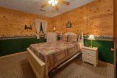 2 Bedroom Cabin Sleeps 6 Lower Level Bedroom