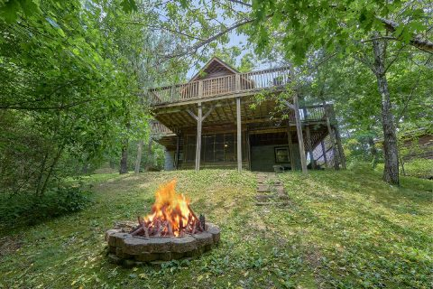 2 Bedroom 3 Bath Sleeps 6 with Fire Pit - Dancing Bear VII