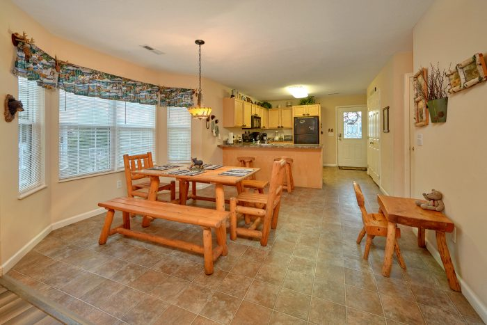 2 bedroom vacation home with dining room for 6 - Dancing Bears