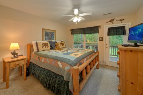 2 bedroom cabin rental with private king bedroom - Dancing Bears