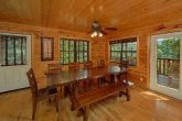 Spacious 5 bedroom cabin with Dining room for 10