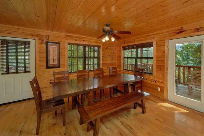 Spacious 5 bedroom cabin with Dining room for 10 - Deer To My Heart