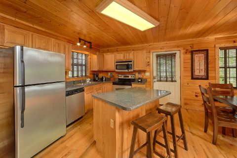 Full Kitchen in luxury cabin that sleeps 14 - Deer To My Heart