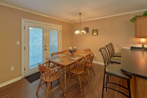 Pigeon Forge Cabin with Dining Table Seats 6 - Dew Drop Inn at Creekwalk