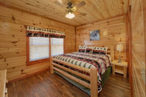 5 Bedroom Cabin with a Main-Level King Suite - Dive Inn