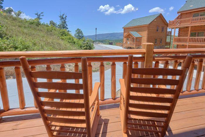 5 Bedrom Pool Cabin in a Smoky Mountain Resort - Dive Inn