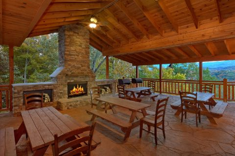 12 bedroom cabin with Outdoor Fireplace and View - Dream Maker Lodge