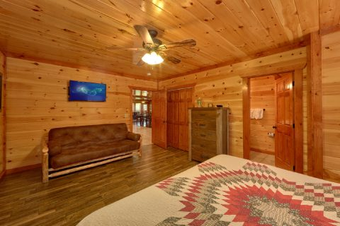 Premium Cabin with 11 King Beds and private bath - Dream Maker Lodge