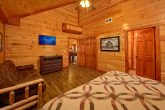 12 Bedroom Cabin with Spacious Master Suites