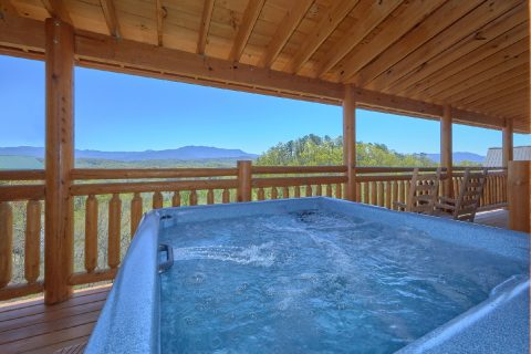 12 Bedroom cabin with hot tub and View - Dream Maker Lodge