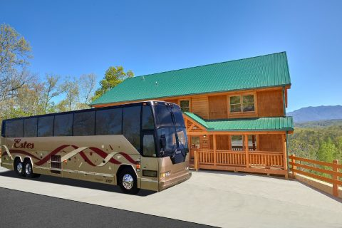 12 Bedroom Cabin with Bus Parking - Dream Maker Lodge