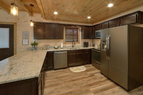 Fully Equipped Kitchen 4 Bedroom Sleeps 14 - Dream Mountain Cove