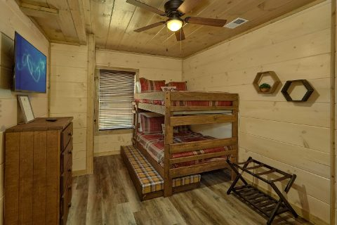 Kids Room Queen Bunk Beds and Trundle Bed - Dream Mountain Cove