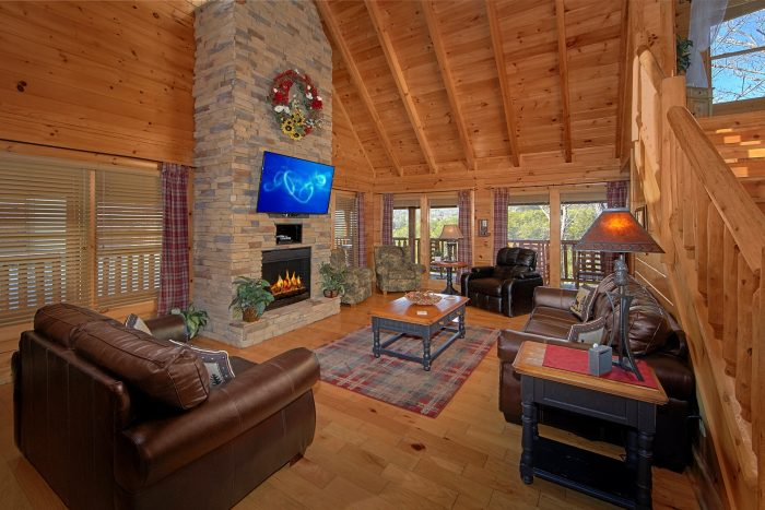 4 Bedroom Cabin with Stone Fireplace - Dreamland