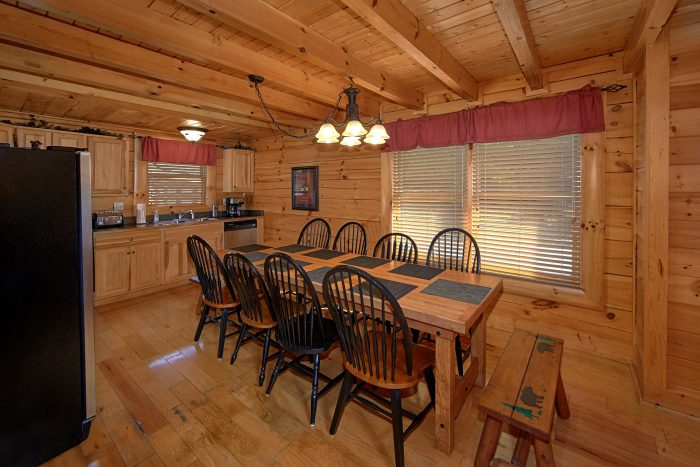 4 Bedroom Cabin with Large Dining Area - Dreamland