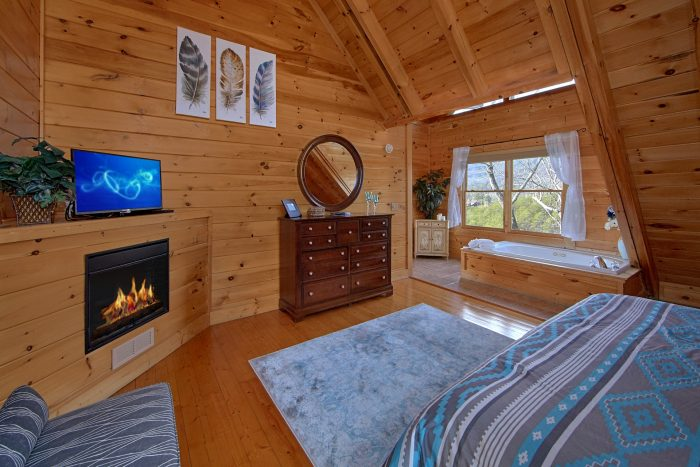 Master Suite with King Bed, Fireplace and Bath - Dreamland