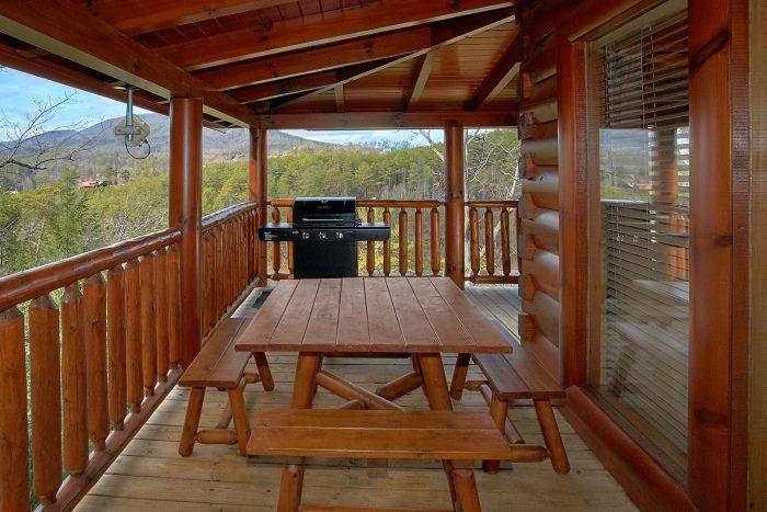Bear Creek Crossing Resort Cabin with Views - Dreamland